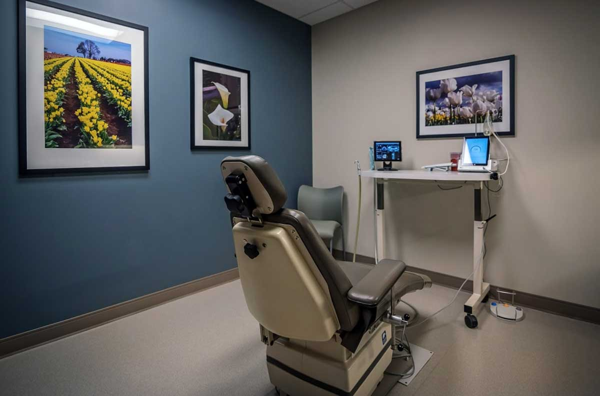 Photo of dental chair