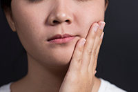 Clackamas Implant & Oral Surgery Center can help with jaw pain.